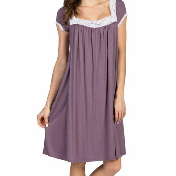 Savi Mom Lacy Maternity Nursing Gown